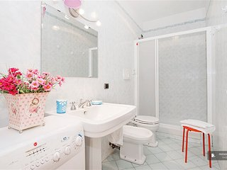 Sparkling 3 bedroom Apartment in Rome  (FC1640)