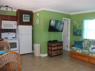 Beach Front Great Studio  Perfect for 2 Very Clean