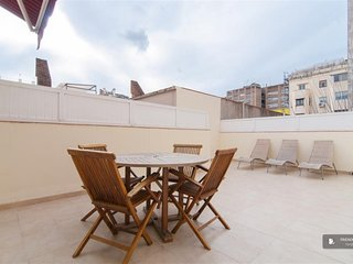 Sparkling 2 bedroom House in Barcelona