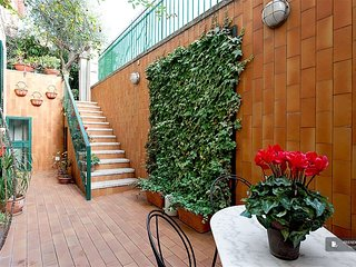 Excellent 2 bedroom House in Roma
