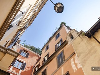 Splendid 2 bedroom Apartment in Rome  (FC2241)