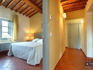 Exquisit 3 bedroom Apartment in Florence  (FC3313)