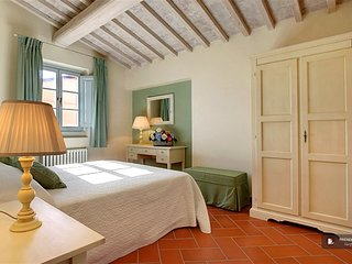 Exquisit 5 bedroom Apartment in Florence  (FC9514)