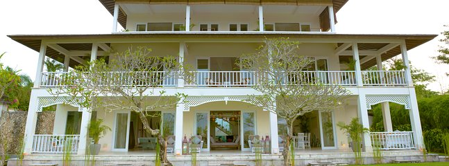 Luxury 7 bedroom oceanfront mansion, short walk to Bingin Beach on 2000m sq