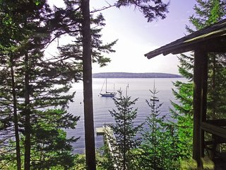 LINEKIN LOG CABIN IN EAST BOOTHBAY | PET-FRIENDLY | PRIVATE DOCK & FLOAT | KAYAK