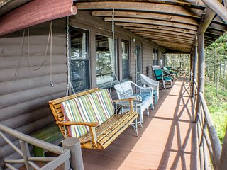 SPRUCEROCK COTTAGE | SOUTHPORT ISLAND MAINE | OCEANFRONT | FAMILY VACATION | PET