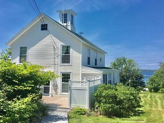 THE VILLA | EAST BOOTHBAY, MAINE | OCEAN POINT | FAMILY VACATION | WATER VIEWS |