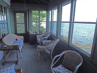 QUIET SPOT - EAST BOOTHBAY | VIEWS OF LINEKIN BAY & SPRUCE POINT | FAMILY VACATI