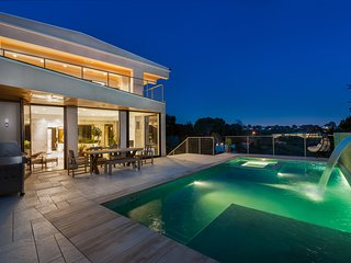 Ultra Modern Pacific Palisades
