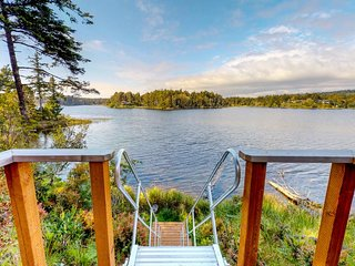 NEW LISTING! Renovated lakefront house with private hot tub & great views