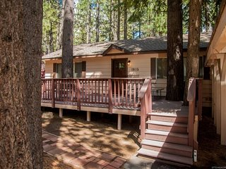 1915B-Cozy, Newly Updated Cabin with Modern Conveniences