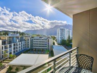 Quadrant Apartments, Cape Town - 2 Bedroom Apartment e603