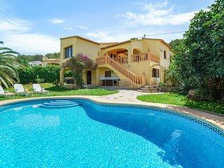 Espaciosa villa con piscina privada! Ref.239854