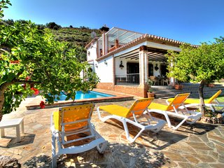 Villa c/ piscina y vista a las montañas!Ref.220275