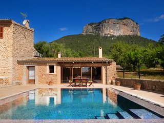 Villa Twin Mountains, Impresionante Villa con Piscina