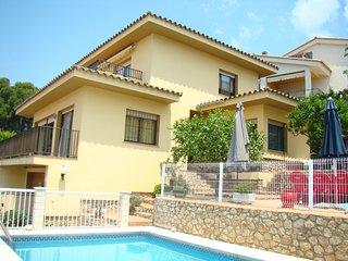 Gran villa en el centro de L'Escala! Ref.243343