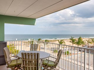 Cozy, waterfront condo with an ocean view - just steps from the beach!