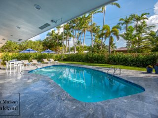 Luxury Ft Lauderdale Home w/ Heated Saltwater Pool