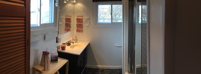 full bath in main cottage