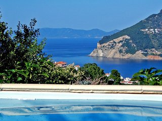Skopelos Romantic Cottage with Private Pool & Sea View