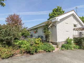 TAN-Y-COED, open plan, woodburner, pet friendly, in Beaumaris, Ref. 971554