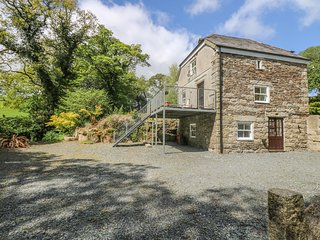 BOTTERNELL MILL, isolated, balcony, 2 bedrooms both with en-suites, near Launces