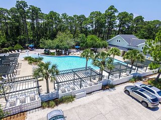 AUGUST DATES AVAILABLE! Watersound 4BR w/ Bikes, Pool & Beach Access