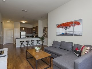 Free Parking! SoBe Nashville Condo Sleeps 6