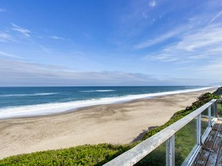 Recently updated, dog-friendly home w/ oceanfront location - walk to the beach