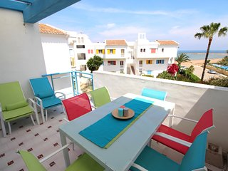 BEACHFRONT PENTHOUSE WITH SEA VIEWS. WIFI. REF: LA ALBERCA 16