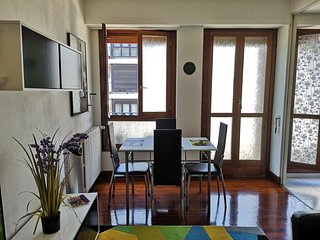 Apartamento playa ONDARRETA, FREE WIFI + PARKING