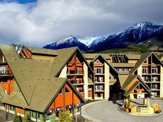 ❦ Luxury Mountain Getaway in the Heart of the Canadian Rockies ❦