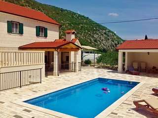 NEW! Villa Fuga in quiet natural environment