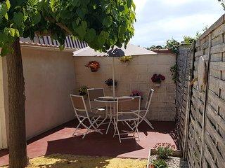 Villa Dora - T2 indépendant au 1er étage d'une villa. Patio privé au RDC.