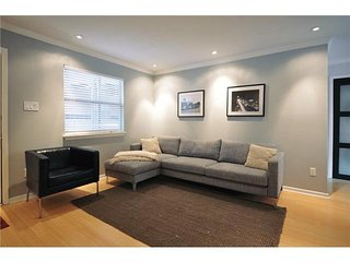 1 Bedroom Downtown Condo by StayLo