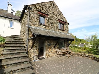 LATTERBARROW COTTAGE, ground floor, private parking. Ref: 972643