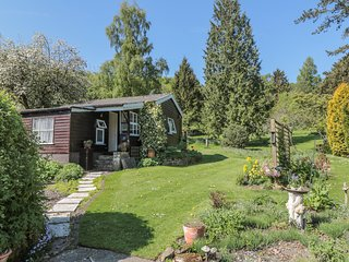 DAMSON CROFT, single storey cottage, two bedrooms, lawned garden, in Lastingham,
