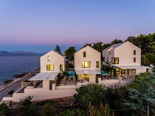 3 bedroom Villa in Sutivan, Splitsko-Dalmatinska Zupanija, Croatia : ref 5629364
