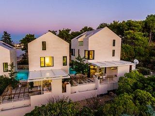 Sutivan Beach House III