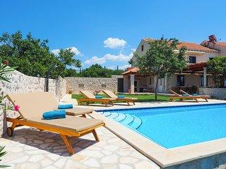 4 bedroom Villa in Skurići, Dubrovačko-Neretvanska Županija, Croatia : ref 56293