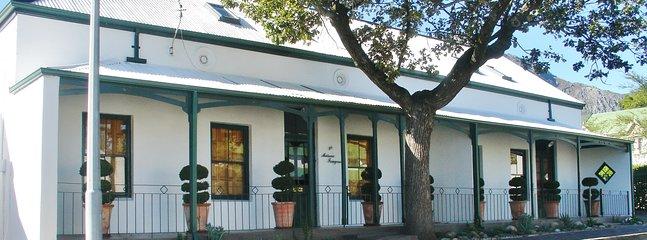 Historische huis prachtig gerenoveerd en elegant ingericht Een genot als vakantiewoning.
