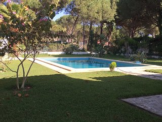 Precioso Chalet con piscina, aire acondicionado, billar y jacuzzi en Roche