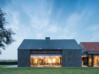 Superbe villa 5 chambres avec piscine intérieure, salle de sport, sauna etc