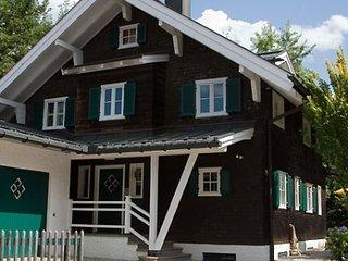 Original Oberstdorfer Wohlfühlferienhaus für 2-12 Personen