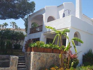 Luxury Modern Villa in Le Village close to Puerto Banus & Golf