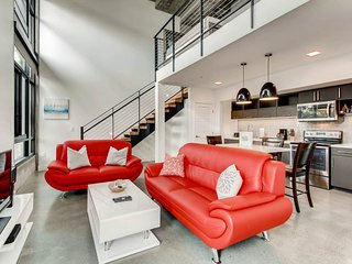 *Unbelievable* Huge 1250sqft Loft in the heart of downtown. Close to everything!
