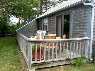 Madaket Cottage walking distance to Beach