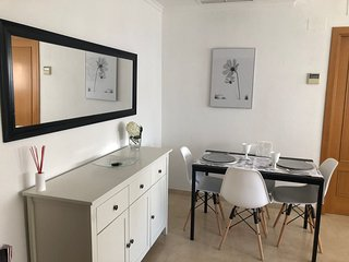 ARAUCARIA GARDEN & PARKING   A/C,  WIFI, SMART TV,  24H PRIVATE SECURITY