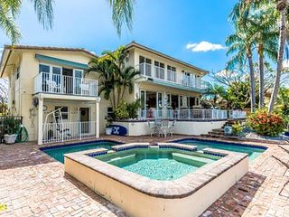 Spectacular Intracoastal 4 Bedroom Waterfront Home! Private pool!