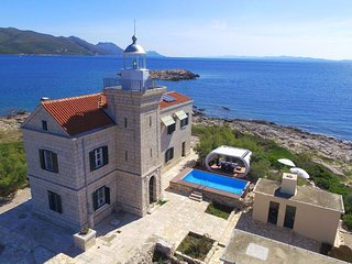 Lighthouse Korcula – Luxurious lighthouse with pool near island of Korcula